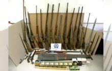 Σύλληψη 53χρονου με πλήθος όπλων και φυσιγγίων