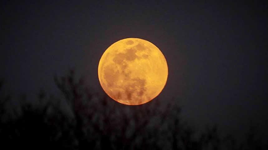 Πανσέληνος Σεπτεμβρίου: Αύριο… Παρασκευή και 13 το «Harvest Moon»