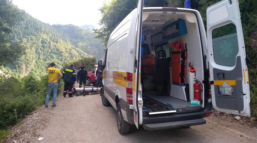 Τροχαίο με ένα νεκρό και έναν τραυματία στα Κουμπουριανά