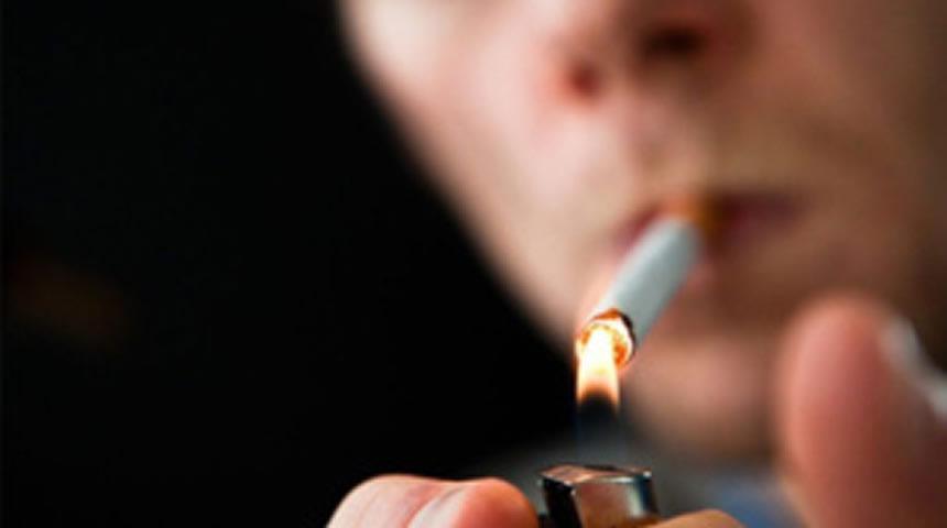 Καθολική απαγόρευση του καπνίσματος στους δημόσιους χώρους