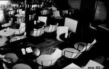 Εξερράγη κινητό μέσα σε καφετέρια στα Τρίκαλα (βίντεο)