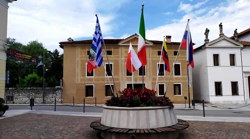 Αδελφοποιημένες πόλεις Λάρισα και Αβιάνο της Ιταλίας