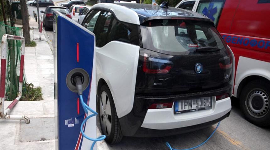 Πρωτοπορία: Η Καρδίτσα αποκτά σταθμό φόρτισης ηλεκτρικών αυτοκινήτων