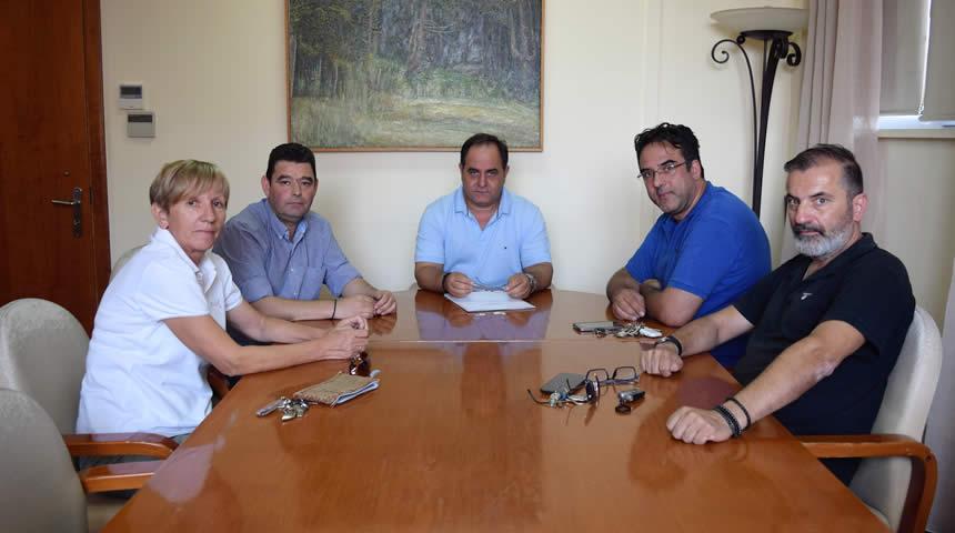 Συνάντηση του Δημάρχου Καρδίτσας Βασίλη Τσιάκου με τον Εμπορικό Σύλλογο