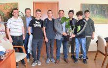 Ξεχωριστές στιγμές στο Δημαρχείο Καρδίτσας με τη βράβευση εθελοντών μαθητών