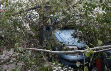 O «Γηρυόνης» σαρώνει τη χώρα: Δύο νεκροί και εικόνες βιβλικής καταστροφής