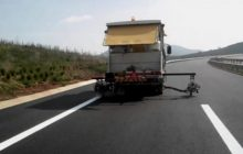 Στη διαγράμμιση 280χλμ του οδικού δικτύου της Π.Ε. Τρικάλων προχωρά η Περιφέρεια Θεσσαλίας