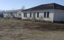 Καθαρισμός και εργασίες συντήρησης των κτιρίων στο πρώην στρατόπεδο Λουμάκη
