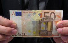 Σύλληψη ατόμου με πλαστά χαρτονομίσματα των 50 ευρώ