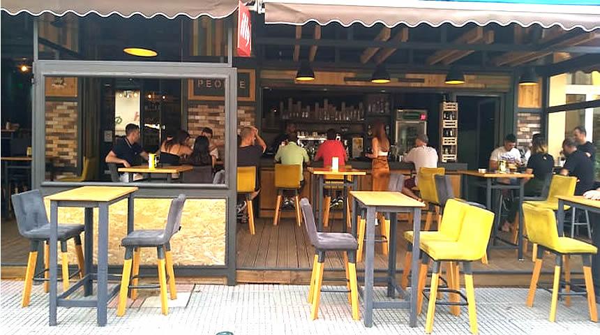 Καφέ - Νight Club PEOPLE στο Μουζάκι Καρδίτσας