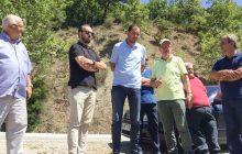 Αυτοψία Δημάρχου Μουζακίου και Αντιπεριφερειάρχη Καρδίτσας στο γεφύρι της Παλαιοκαμάρας