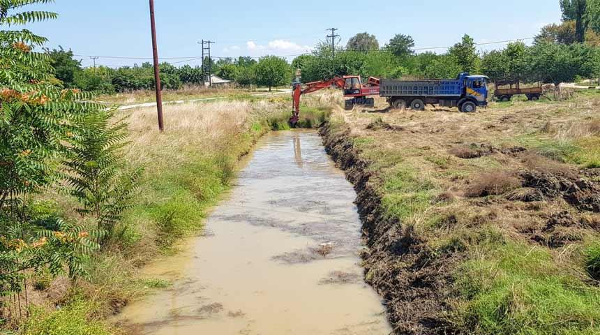 Συνεχίζονται οι καθαρισμοί ποταμών και αρδευτικών καναλιών από την Π.Ε Καρδίτσας