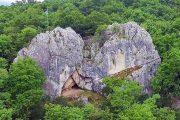 Διαμόρφωση του χώρου της σπηλιάς του Γ. Καραϊσκάκη