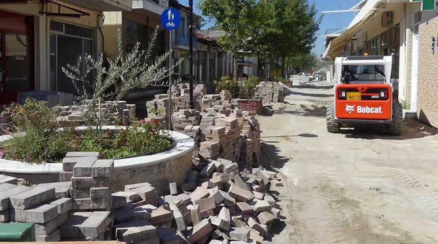 Σοφάδες: Με γοργούς ρυθμούς οι εργασίες στον πεζόδρομο της 28ης Οκτωβρίου
