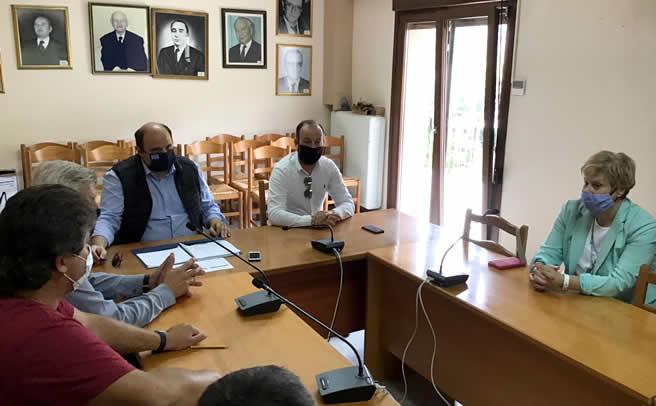 Ο Γενικός Γραμματέας Οικονομικής Πολιτικής Χρ. Τριαντόπουλος στο Μουζάκι
