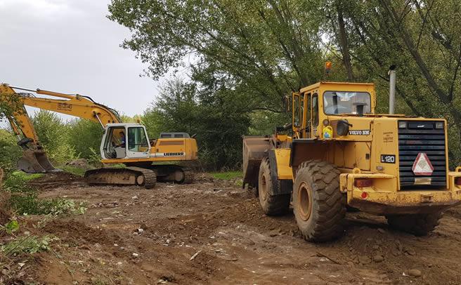 Επανακαθαρισμός ποταμών - επισκευή και ενίσχυση αναχωμάτων σε Καράμπαλη και Γάβρα από την Π.Ε Καρδίτσας