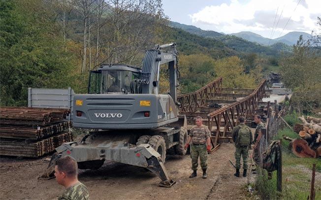 Τοποθετείται γέφυρα Bailey στην γέφυρα Καραϊσκάκη στο Μουζάκι