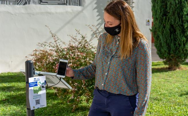 #GrEEnBeach: Η Ευρωπαϊκή Πράσινη Συμφωνία στα Τρίκαλα με 16 ηλιακούς φορτιστές δωρεάν φόρτισης