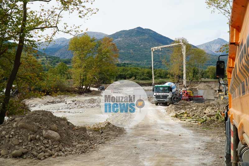 """Προχωράνε οι εργασίες αποκατάστασης στις γέφυρες """"Μπαλάνου"""" και """"Καραϊσκάκη"""" (photo - video)"""