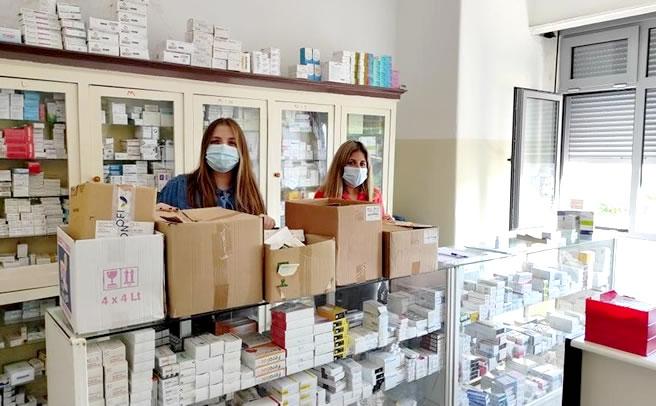 «Ιανός»: Το Κοινωνικό Φαρμακείο Δ. Τρικκαίων ενίσχυσε την αντίστοιχη δομή του Δ. Καρδίτσας