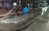 Πλύσιμο κεντρικών δρόμων στην πόλη της Καρδίτσας το βράδυ του Σαββάτου και της Κυριακής