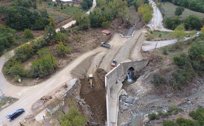 Εργασίες αποκατάστασης ζημιών στη θέση ''Κανόνια''