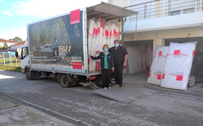 Τριάντα στρώματα διανεμήθηκαν σε πλημμυροπαθείς του Δήμου Καρδίτσας