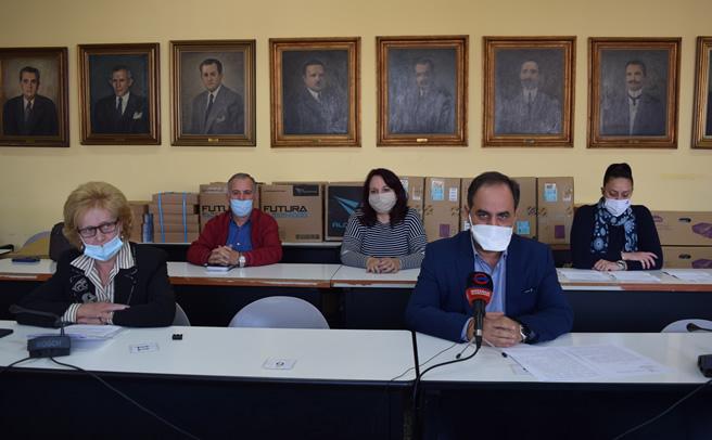 Συνέντευξη τύπου Β. Τσιάκου και στελεχών της Δημοτικής Αρχής Καρδίτσας