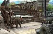 Η κατασκευή της γέφυρας Bailey στη γέφυρα Καραϊσκάκη από το 724 ΤΜΧ (video)