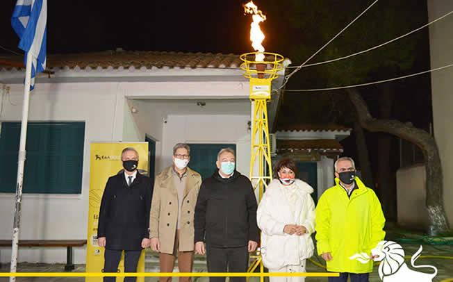 Η ολυμπιονίκης Βούλα Πατουλίδου άναψε τη φλόγα του φυσικού αερίου στην Καρδία του Δήμου Θέρμης