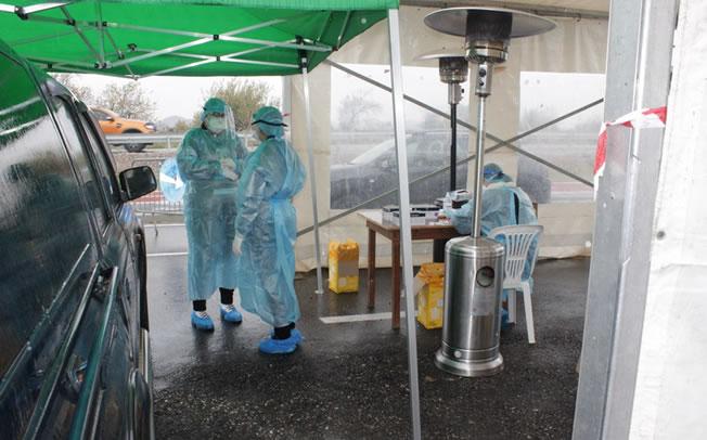 Τέσσερα θετικά κρούσματα Covid19 σε συνολικά 402 δείγματα Rapid Test στα Μεγάλα Καλύβια