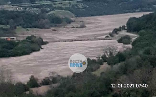 Τεράστιες οι ποσότητες του νερού στον Αχελώο -