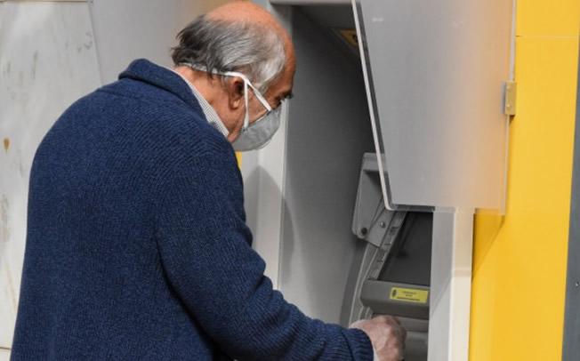 «Χρυσά» αναδρομικά: Έως και πάνω από 14.000 ευρώ για εργαζόμενους συνταξιούχους